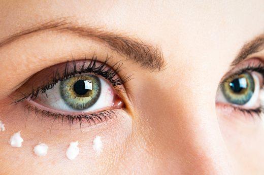 contorno occhi: come applicarlo e perché utilizzarlo